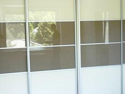Posuvné dvere lakobelové sklo 2